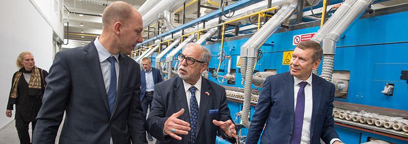 vizit-posla-iraka-v-seradzkoj-fabrike-gruppy-tubadzin